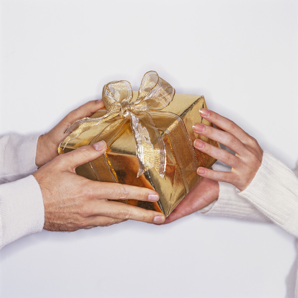 office gift giving etiquette